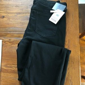 NWT Black NYDJ lift and tuck jeans